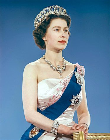 """""""The Crown"""" sheds light on the life of Queen Elizabeth"""