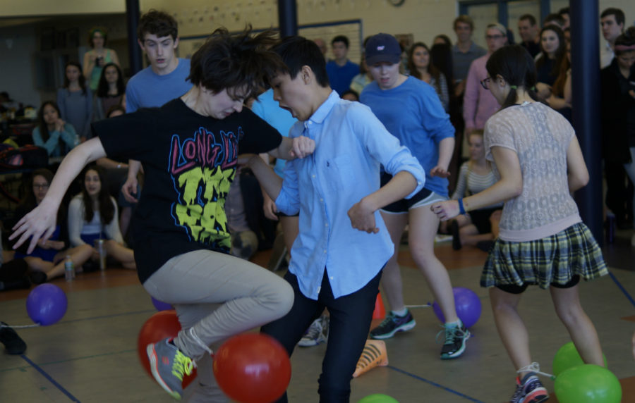 Spirit week marches on with preppy day and balloon pop