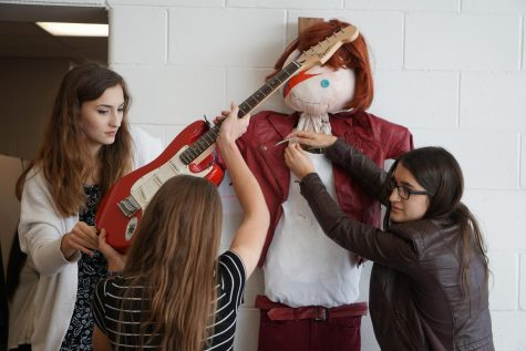 Spirit Week kicks off with Fancy Day and Scarecrow Contest
