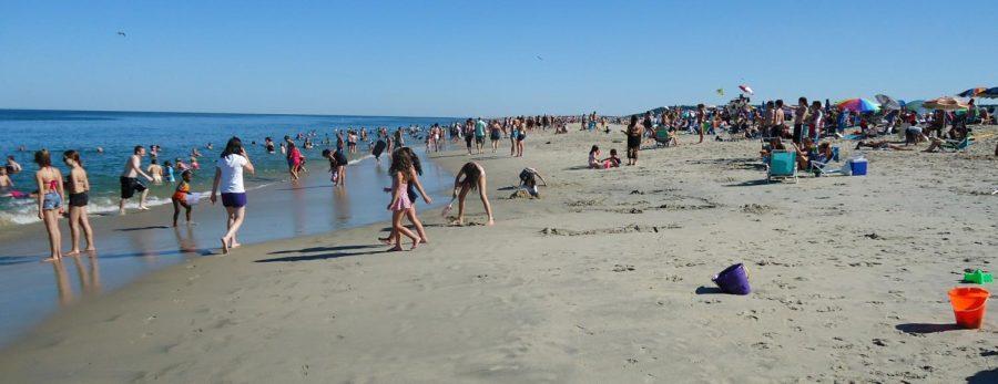 Sandy_Hook_NJ_beach_July_afternoon