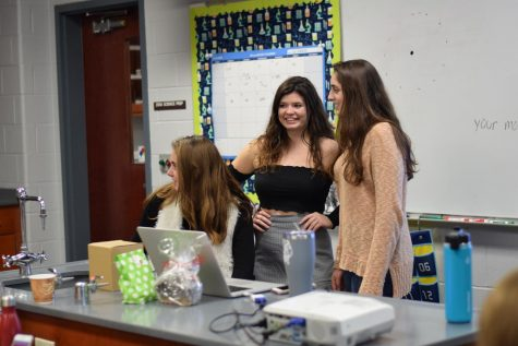 Seniors teach underclassmen before winter break