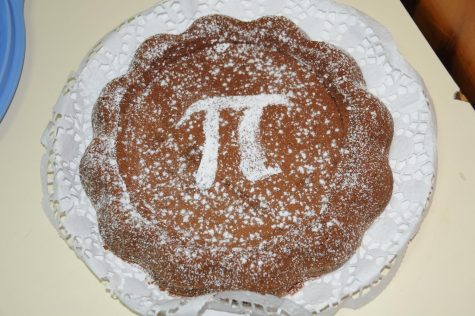 Students eat up Pi Day festivities