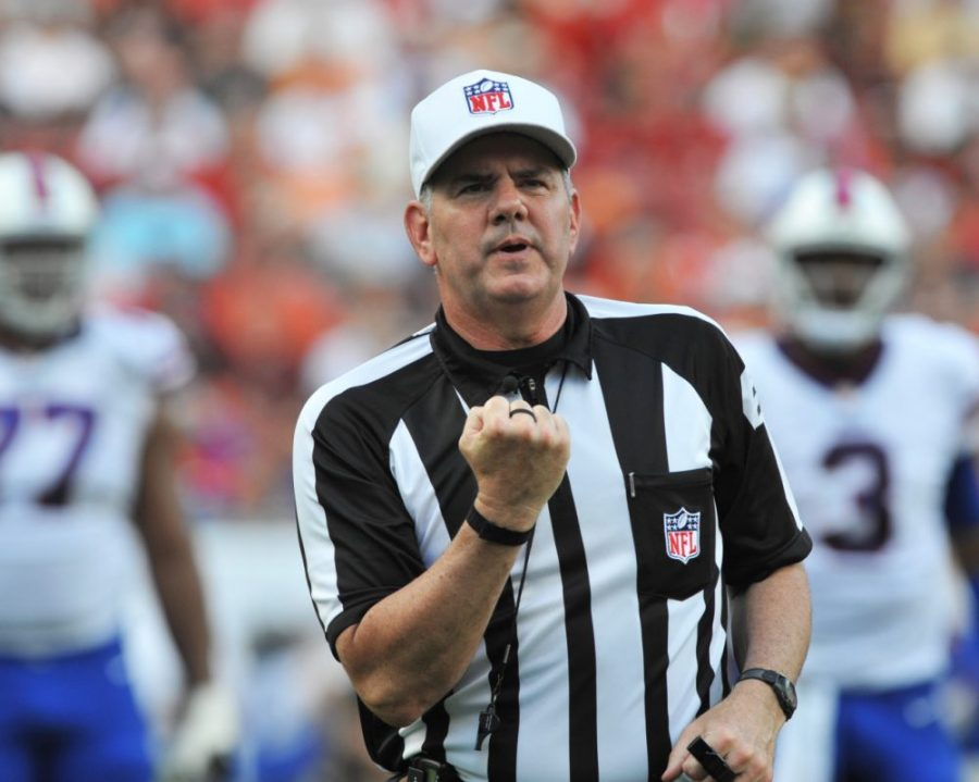 NFL+referee+Bill+Vinovich+was+the+subject+of+scrutiny+after+his+call+against+the+LA+Rams+in+an+NFC+title+game.%0Ahttps%3A%2F%2Fcreativecommons.org%2Flicenses%2Fby%2F2.0%2F