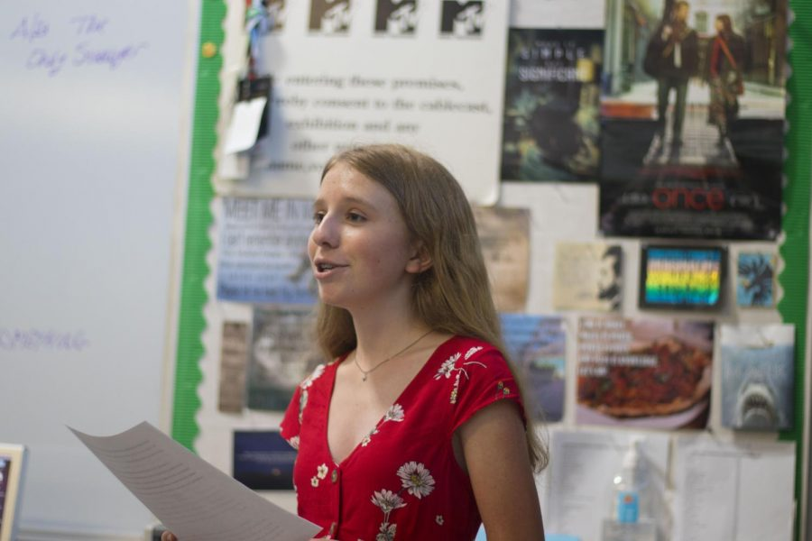 Freshman+Sam+Skolnick+of+Hazlet+makes+her+speech+prior+to+being+elected+as+president.