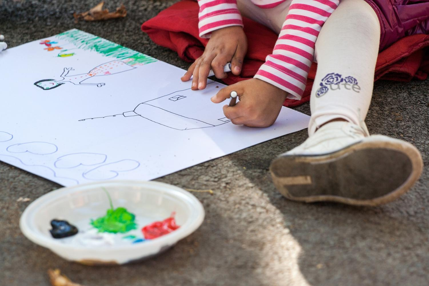 A study conducted by assistant professor Karen DeMoss of the University of New Mexico found that integrating art in the education of students of all achievement levels creates a more independent desire to learn, as well as improves memorization and problem-solving skills. https://creativecommons.org/licenses/by/2.0/