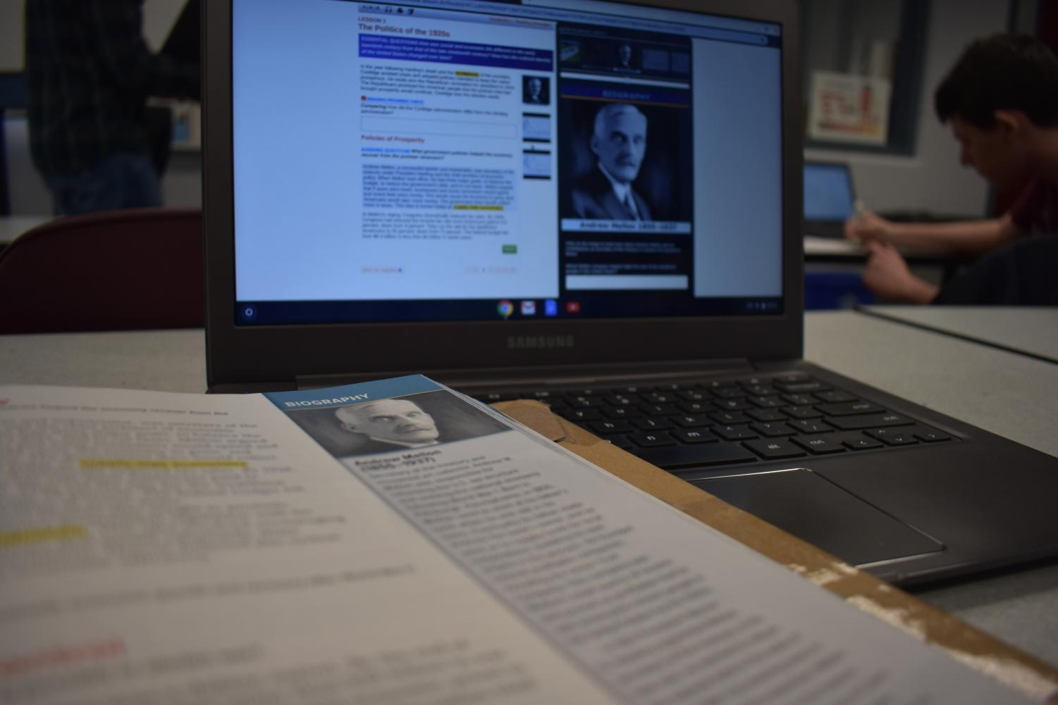 Sharyn O'Keefe's United States History II class has access to both online and physical textbooks for convenience and extra learning activities.