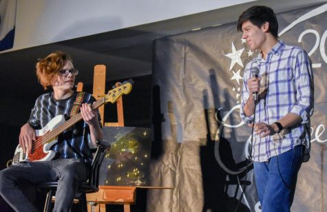 Class of 2021 hosts Coffeehouse