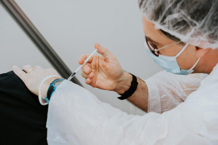 As vaccines become more and more wide-spread, many Americans are worried about re-opening and whether it is too soon. https://unsplash.com/license